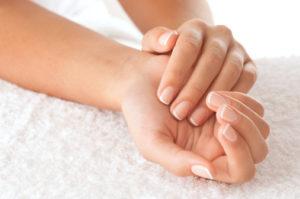 Cuida y protege tus manos con Repavar espuma de manos regeneradora