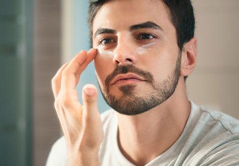 Hidratación facial masculina
